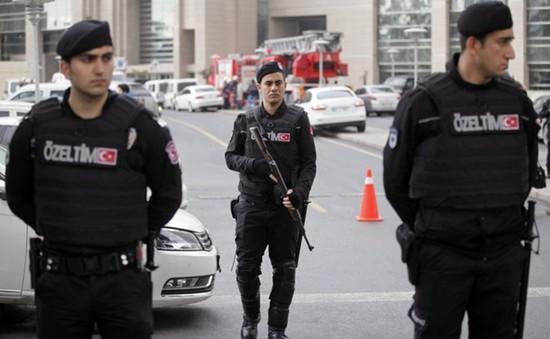 Thổ Nhĩ Kỳ phá âm mưu khủng bố ở Istanbul trong cùng ngày vụ xả súng tại Paris