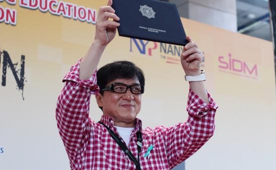 Thành Long trở thành Đại sứ phòng chống ma túy Singapore