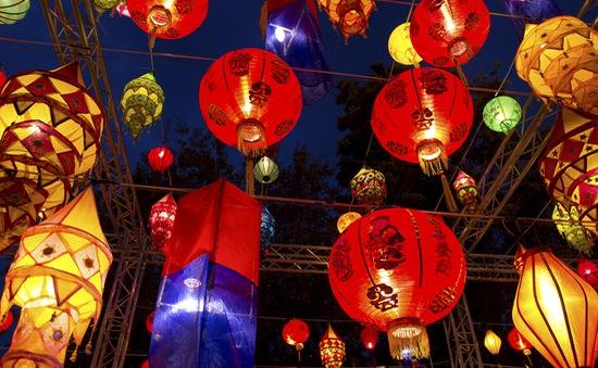 Sắc màu rực rỡ đêm Trung thu ở các nước châu Á