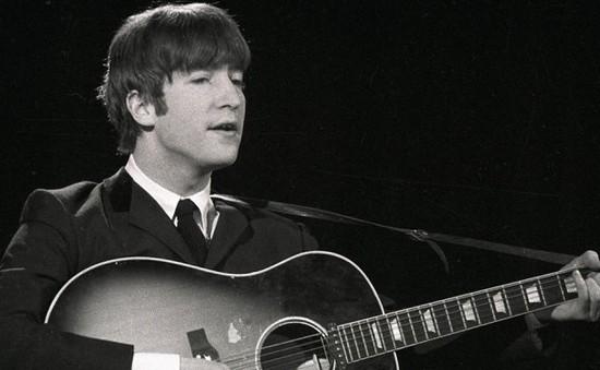 Đàn guitar của John Lennon được bán với giá triệu đô