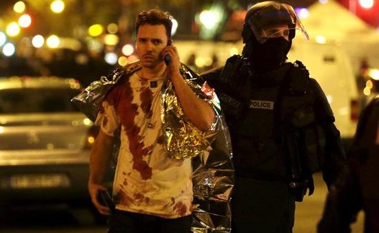 """Nhân chứng vụ khủng bố ở Paris: """"Mọi thứ giống như phim kinh dị"""""""