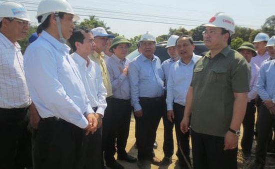 Phó Thủ tướng Hoàng Trung Hải kiểm tra tình hình nắng hạn tại Khánh Hòa