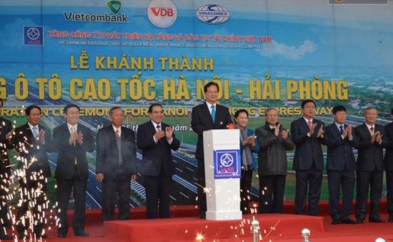 Thông xe toàn tuyến cao tốc Hà Nội - Hải Phòng hiện đại nhất Việt Nam