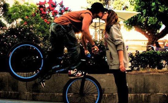 5 lý do bạn nên hôn thường xuyên