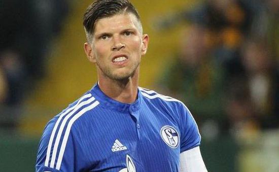 Klaas-Jan Huntelaar bị cấm 6 trận vì pha kungfu thô thiển ở Bundesliga