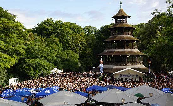 Độc đáo lễ hội Kocherball tại Đức