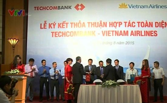 Techcombank và Vietnam Airlines ký kết hợp tác toàn diện