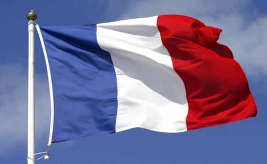 Doanh số bán cờ của Pháp tăng gấp đôi sau vụ khủng bố ở Paris