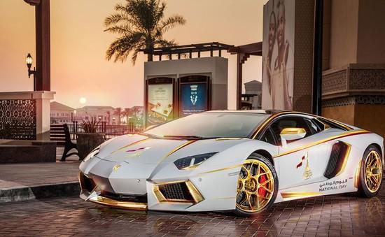 Lamborghini Aventador mạ vàng độc đáo tại Dubai