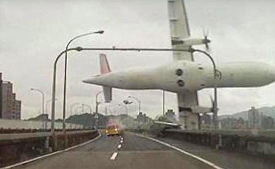 Cả hai động cơmáy bay TransAsia GE235đều gặp sự cố