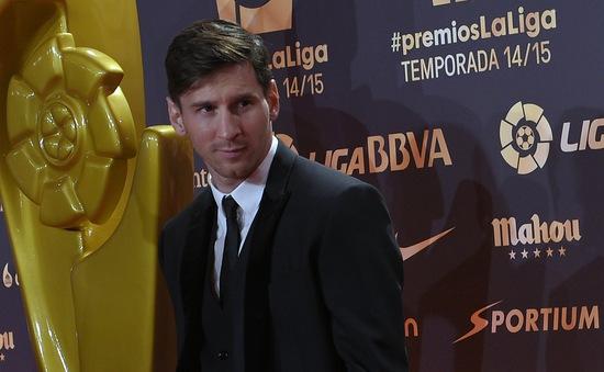 Đánh bại Ronaldo, Messi xuất sắc nhất La Liga