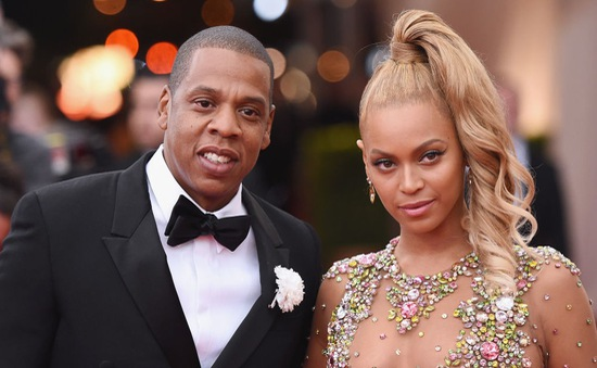 """Vợ chồng Beyonce bị kẹt giữa rừng """"fan cuồng"""""""