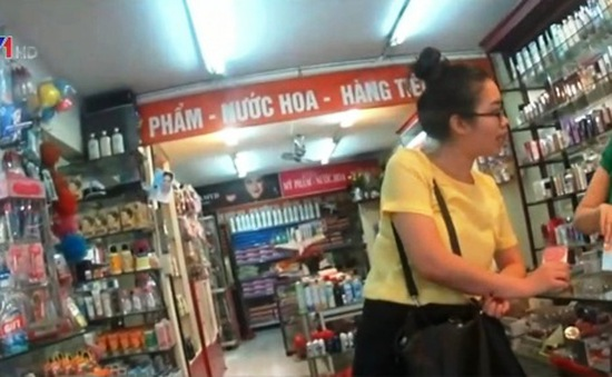 Hà Nội: Một số cửa hàng ngưng bán mỹ phẩm chứa Paraben