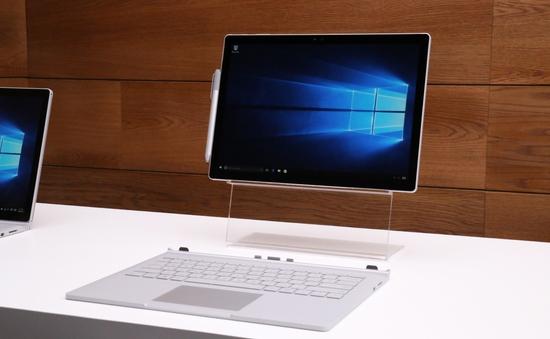 Microsoft ra mắt Surface Book phiên bản 1TB