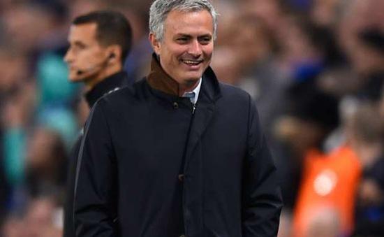 Ghế nóng bớt lung lay, Mourinho thở phào tri ân CĐV Chelsea