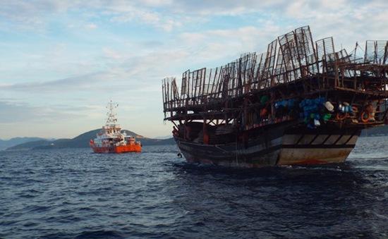 Cứu sống 38 ngư dân gặp nạn trên vùng biển Trường Sa