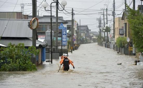 Thiệt hại do mưa lụt tại Nhật Bản: 1 người mất tích, hơn 90.000 người sơ tán