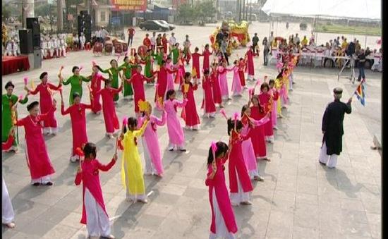Giáo cờ giáo quạt - Điệu múa dân gian của tỉnh Thái Bình