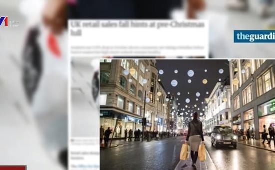 Người Anh thay đổi thói quen mua sắm dịp Giáng sinh
