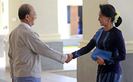 Cuộc gặp giữa Tổng thống Thein Sein và bà Suu Kyi diễn ra cởi mở, mang tính xây dựng