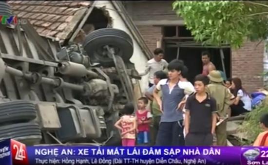 Nghệ An: Xe tải mất lái, đâm sập nhà dân