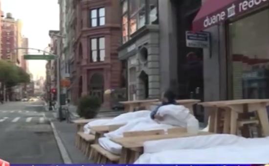'Phòng khách' trên đường phố Mỹ của các nghệ sỹ Pháp