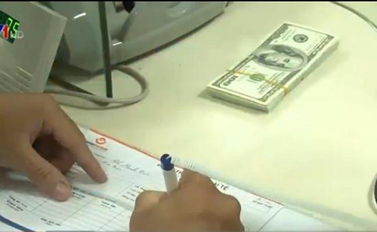 TP.HCM: Ngân hàng tăng doanh số mua ngoại tệ