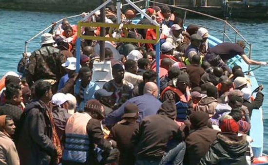 Bất chấp nguy hiểm, người di cư vẫn rời châu Phi đến châu Âu