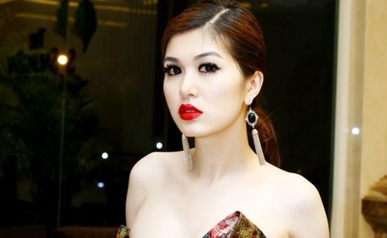 Bà mẹ 2 con Oanh Yến 'thi chui' Hoa hậu toàn cầu, đối diện án phạt 30 triệu đồng