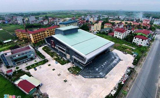 Hà Nội: Nhà hát trăm tỷ xây dở, bỏ không