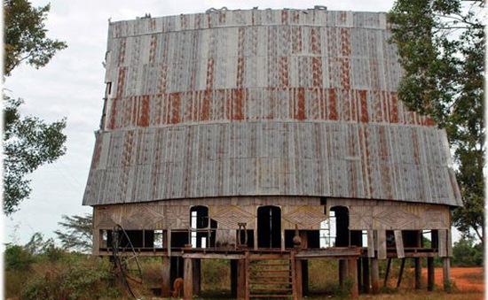 Nhiều nhà rông văn hóa đang bị bỏ hoang