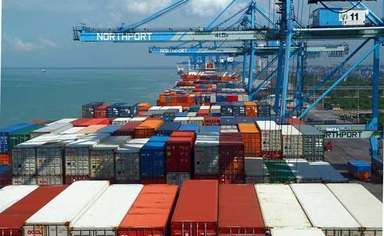 Việt Nam nhập siêu 3,86 tỷ USD