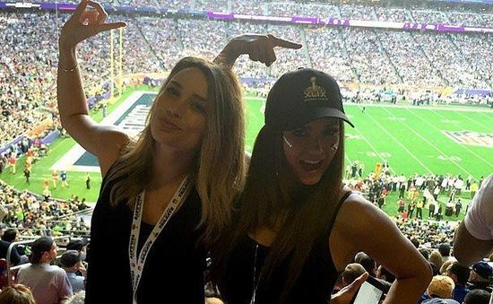 Sao Hollywood phấn khích vì Super Bowl