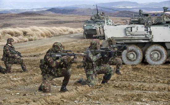New Zealand công bố kế hoạch gửi quân tới Iraq chống IS