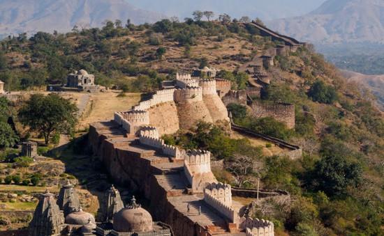 """Pháo đài Kumbhalgarh - """"Vạn Lý Trường Thành"""" của Ấn Độ"""
