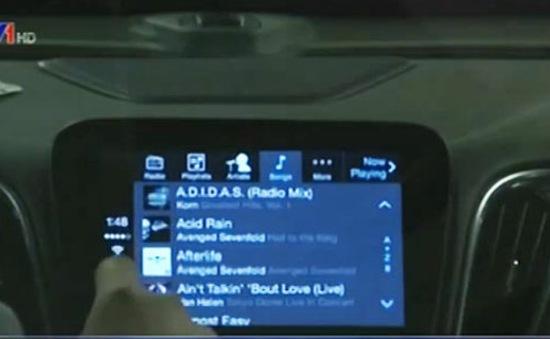 Ô tô tích hợp hệ thống điều khiển smartphone