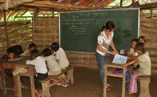 Giải quyết trợ cấp cho học sinh nghèo: Sẽ có chính sách mới