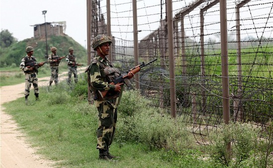 Ấn Độ và Pakistan lại đấu súng ở Kashmir
