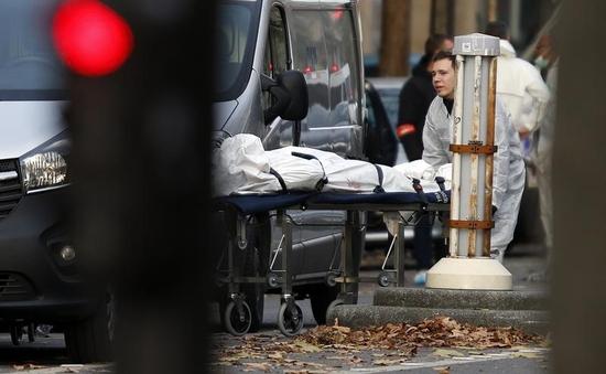 Khủng bố kinh hoàng tại Paris: Nỗi ám ảnh khó nguôi