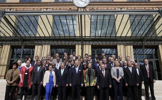 Bộ trưởng các nước nhóm họp trước thềm COP 21