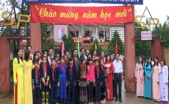 Phó Chủ tịch Quốc hội Tòng Thị Phóng làm việc tại Lào Cai