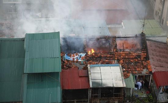Cháy tập thể ở Trần Quốc Toản: Các hộ dân được về lấy đồ thiết yếu