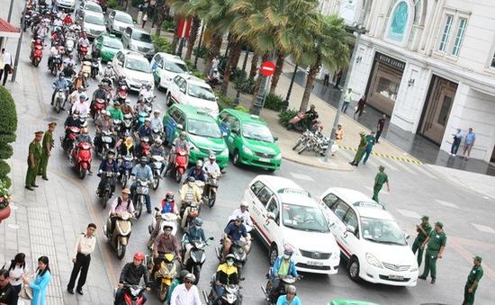 TP.HCM: Tăng phí đăng ký ô tô, xe máy từ 1/9