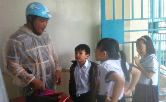 Quảng Nam, Đà Nẵng: Cho phép học sinh nghỉ học tránh bão