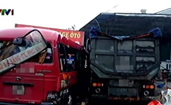 Tai nạn giao thông tại Phú Thọ: 7 người nguy kịch