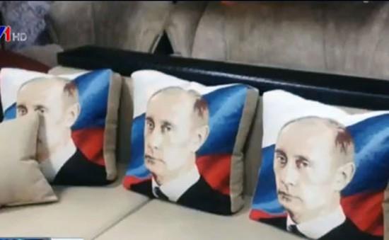 """""""Nhãn hàng"""" Putin được yêu chuộng ở Nga"""