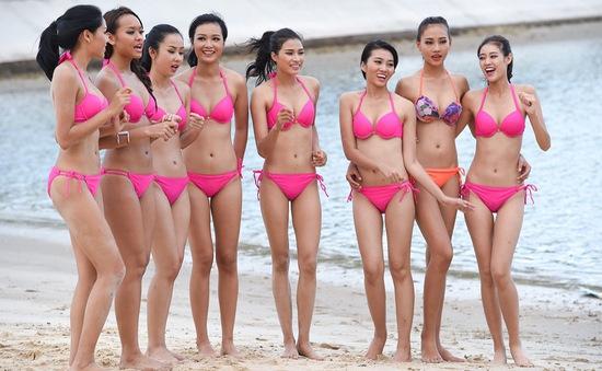 Hoa hậu Hoàn vũ Việt Nam 2015 mặc bikini khoe thân hình săn chắc