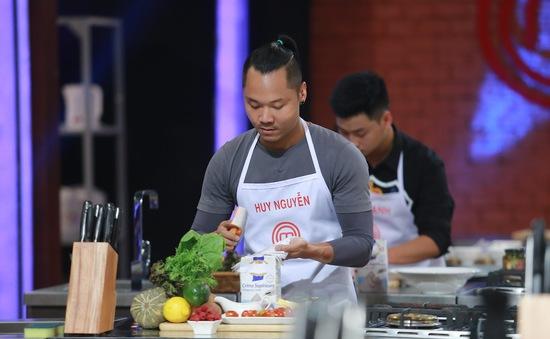 """Vua đầu bếp Việt: Thí sinh """"toát mồ hôi"""" với món ăn làm từ mắm"""