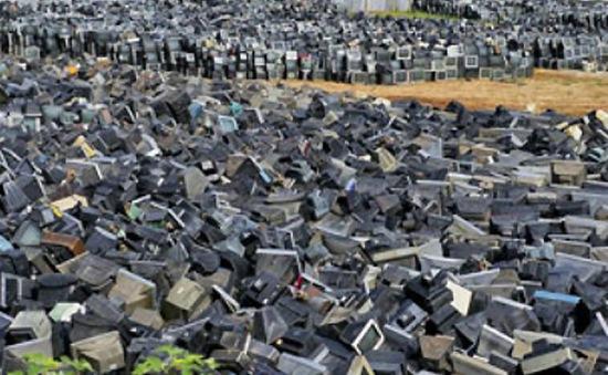 Kiếm soát rác thải điện tử - Cách nào?