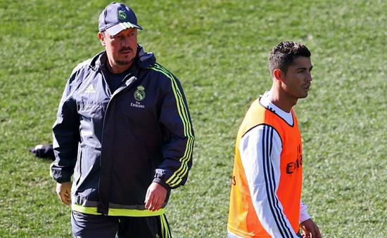 Rafa Benitez chưa mất ghế, tương lai Ronaldo được đảm bảo